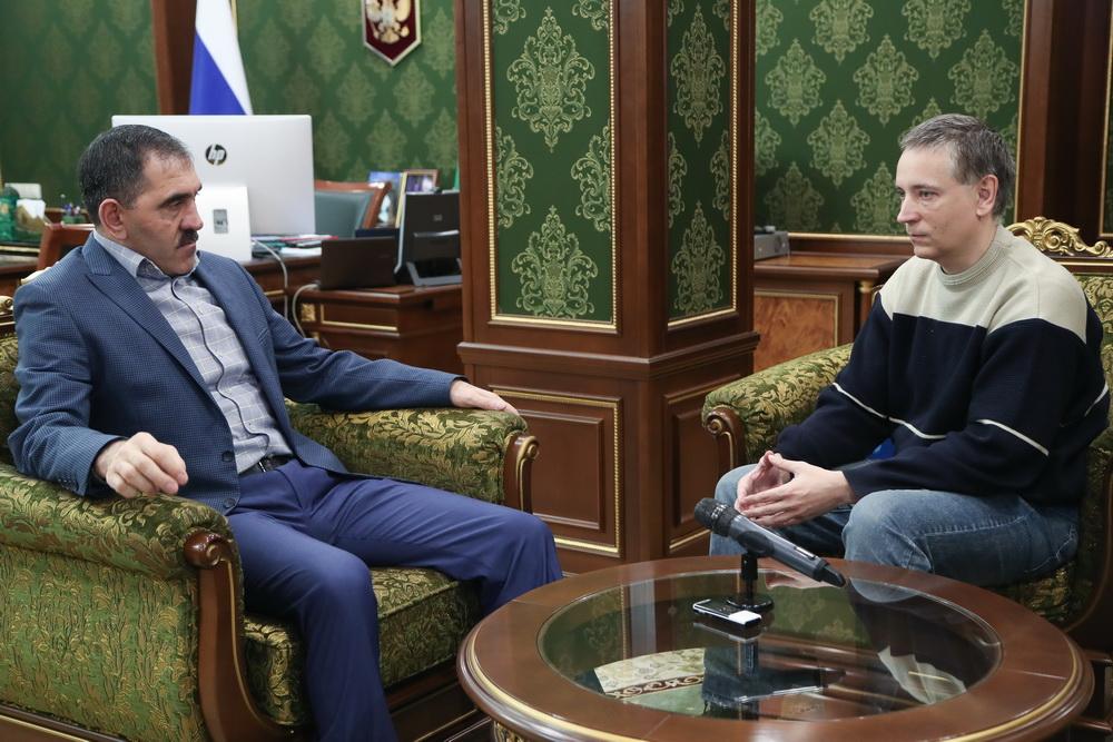 """""""Открой личико, Гюльчатай!"""". Об историке-сталинисте Пыхалове."""