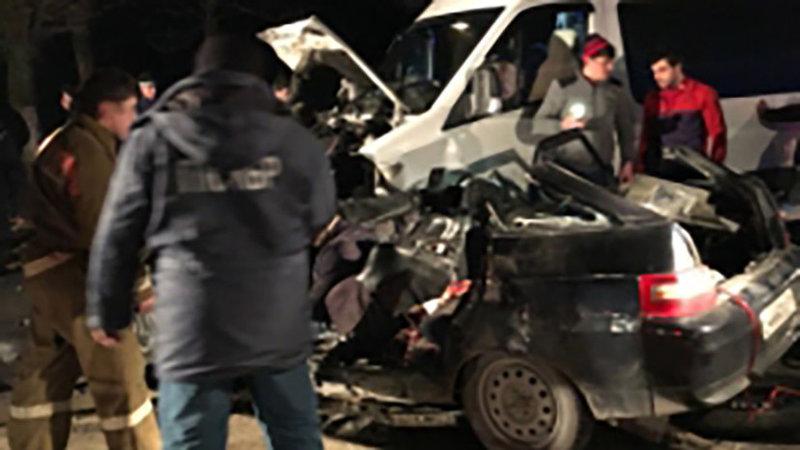 ВКабардино-Балкарии 4 человека погибли вДТП смикроавтобусом