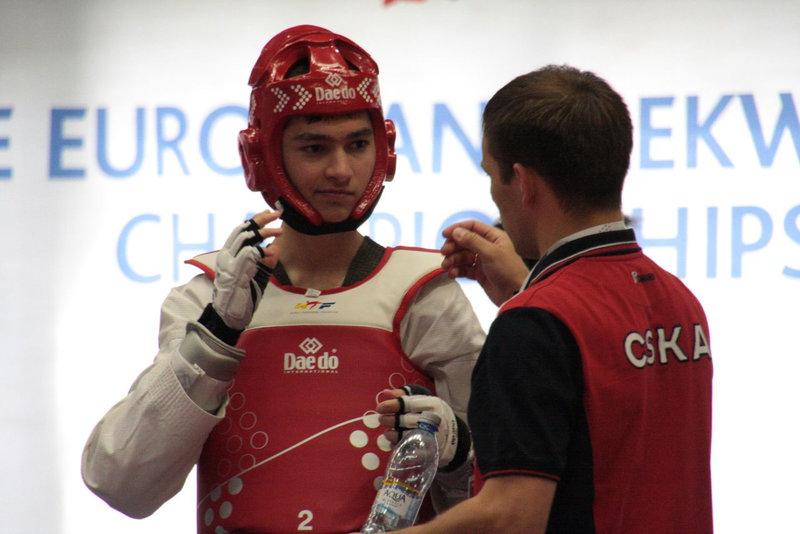 Михаил Артамонов— чемпион Европы ввесе до58кг