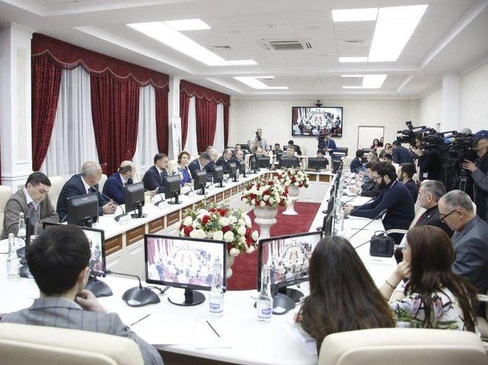 Юнус-Бек Евкуров иМихаил Ведерников подписали вМагасе протокол осотрудничестве